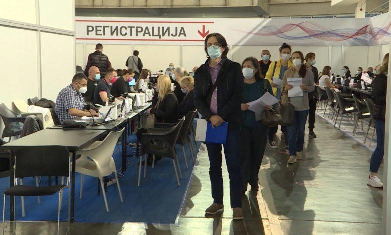 Болниците во Србија се полнат, од август можни нови мерки