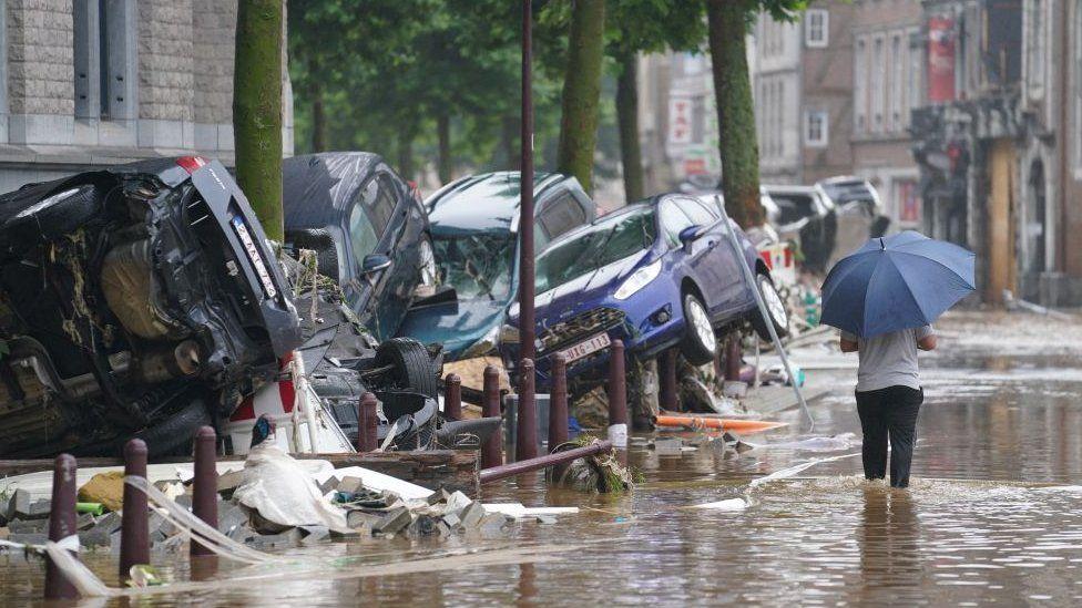 Нема настрадани македонски државјани во поплавите во Западна Европа