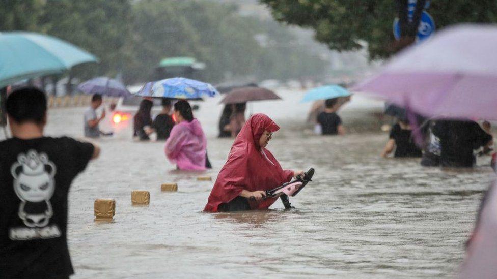 Најмалку 25 загинати во неколкуте поплави во централна Кина