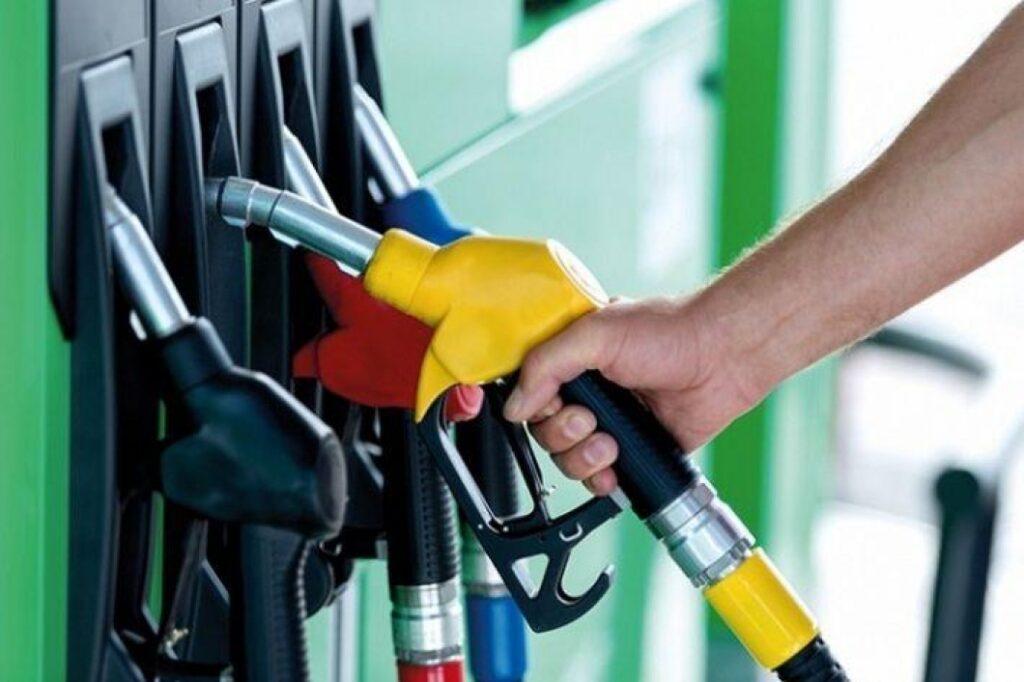 РКЕ: Од полноќ поскапуваат бензините, дизелот по иста цена