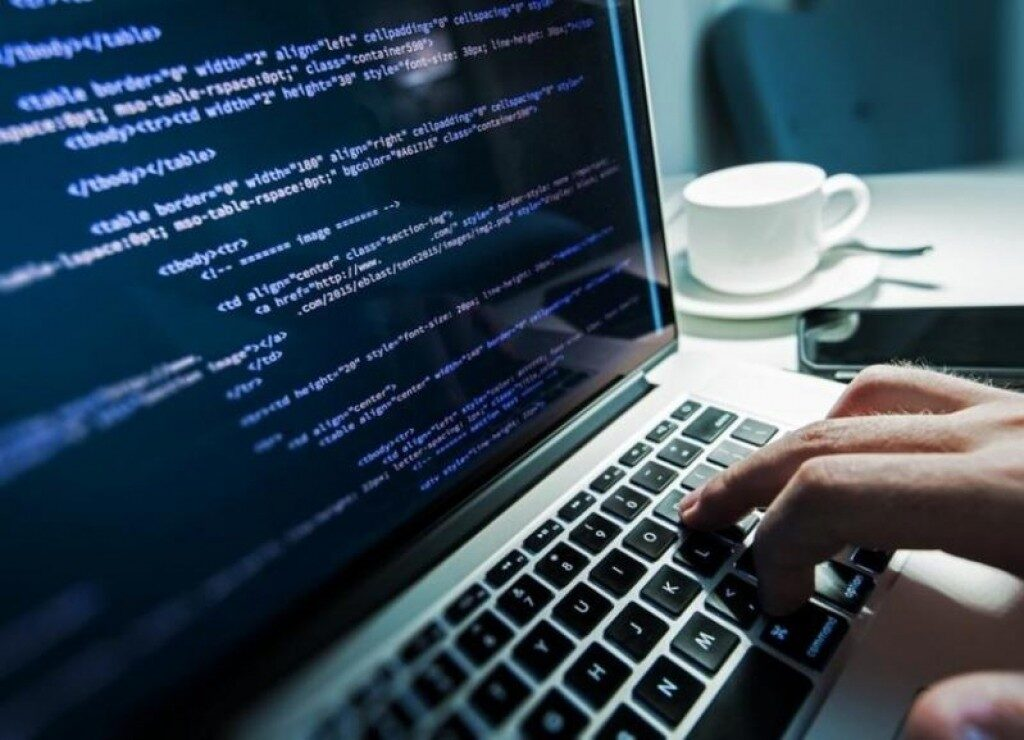 ТОП 10 ВО МАКЕДОНИЈА: Програмерите се најплатени со просечна бруто плата од 1.784 евра