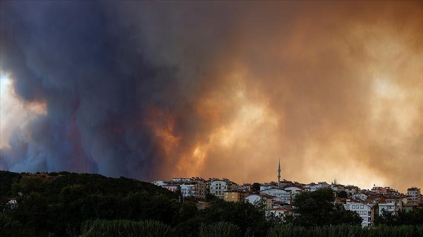 Најмалку шестмина загинати во пожарите во Турција