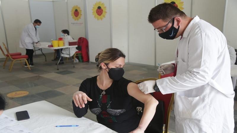 Делта сојот потврден во Албанија, со две дози вакцинирани половина милион луѓе