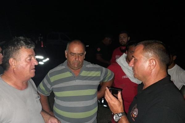 АНГЕЛОВ: Изгореа неколку куќи во светиниколско Богословец, пожарот се шири на исток од селото