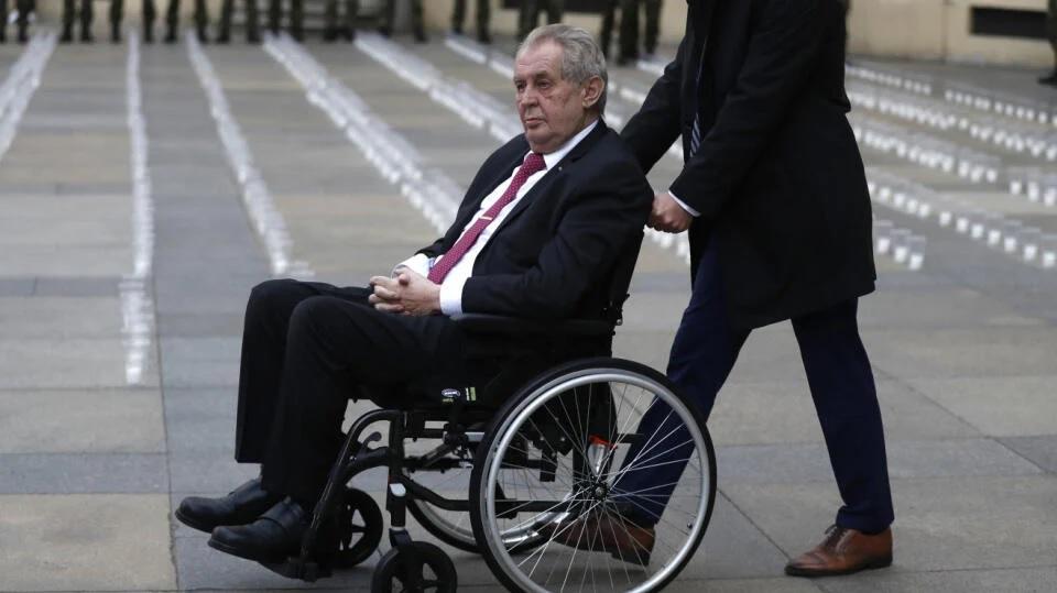 Чешкиот претседател Милош Земан е хоспитализиран од непознати причини