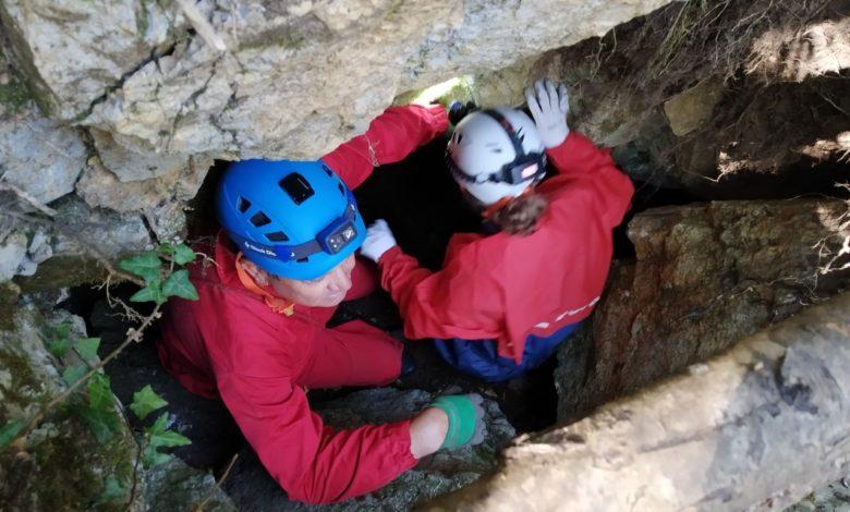 ФОТОРЕПОРТАЖА ОД ТИКВЕШКО: Капките вода чуваат вековни тајни во Арамиска пештера