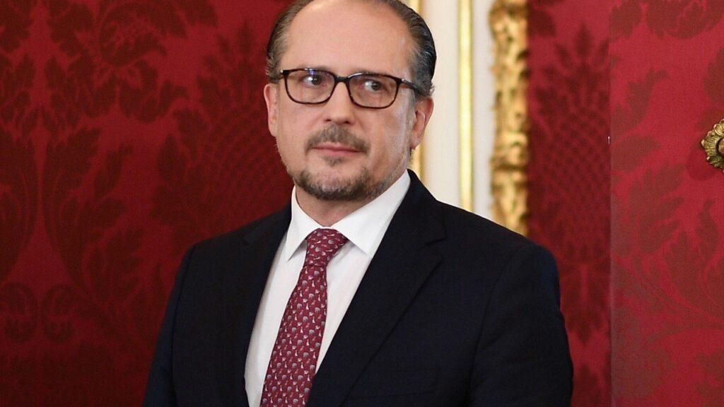 Новиот австриски канцелар оди на првото службено патување во Брисел