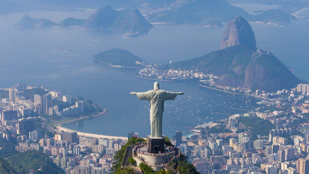 Статуата на Христос во Рио слави 90 години