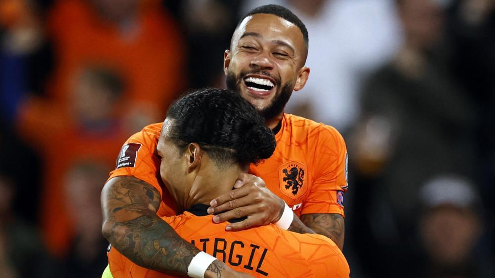 Мемфис Депај го собори рекордот на Патрик Клајверт во холандската репрезентација
