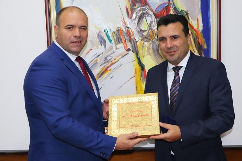 СДСМ СИ ОТКРИВА СКАНДАЛ: Да се истражи како градоначалникот на СДСМ Димитриевски купил парцели од 9.000 м2 во Куманово